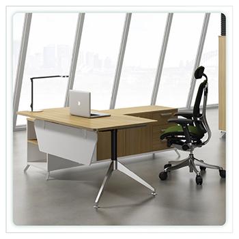 2. โต๊ะทำงานผู้บริหาร/โต๊ะทำงานขาเหล็ก